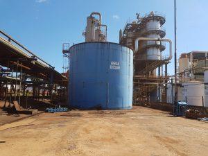 Remoção industrial de tanque de 30 toneladas