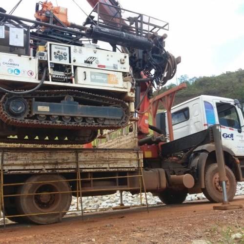 Locação de Caminhão Munck traçado com retarder e controle remoto para Mineração